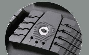 pneu clouté cramponné